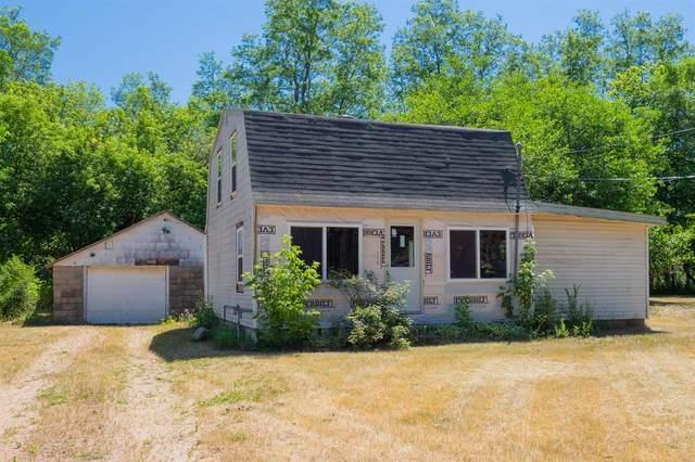 425 River Road, Gun Plain Twp, MI 49080 (#66021023852) :: Keller Williams West Bloomfield