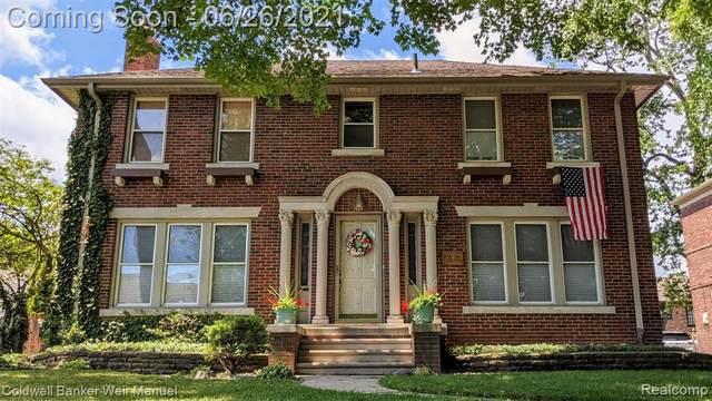 853 Lakepointe Street, Grosse Pointe Park, MI 48230 (#2210048623) :: GK Real Estate Team