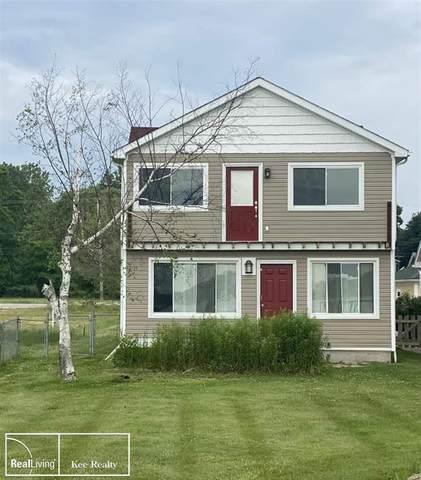 9251 River Rd, Algonac, MI 48001 (#58050045994) :: GK Real Estate Team