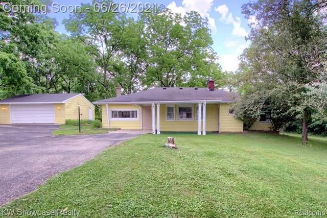 18290 Sunset Street, Livonia, MI 48152 (#2210048807) :: GK Real Estate Team
