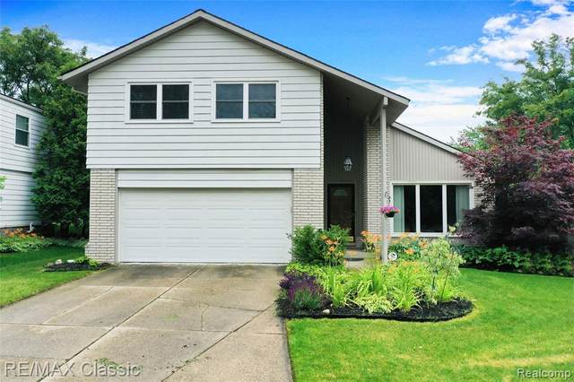 24693 Apple Crest Drive, Novi, MI 48375 (#2210048908) :: Duneske Real Estate Advisors