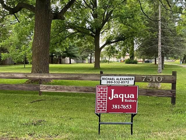 7510 W W. V Avenue, Prairie Ronde Twp, MI 49087 (#66021024154) :: Keller Williams West Bloomfield