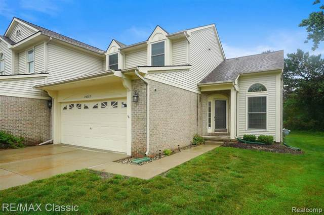 24267 Weathervane Court, Novi, MI 48374 (#2210049286) :: Duneske Real Estate Advisors