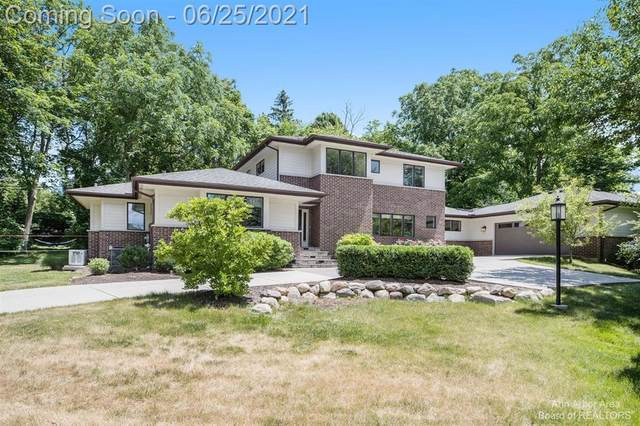 1875 Arlington Boulevard, Ann Arbor, MI 48104 (#543281256) :: GK Real Estate Team