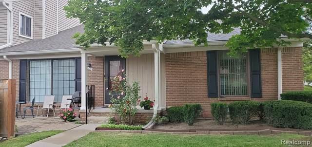 22327 Peachtree, Novi, MI 48375 (#2210049589) :: Duneske Real Estate Advisors