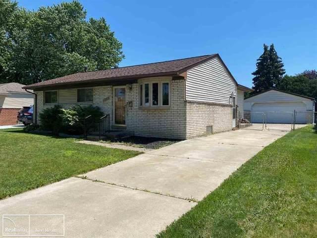 2364 Garry Dr, Troy, MI 48083 (#58050046291) :: Duneske Real Estate Advisors