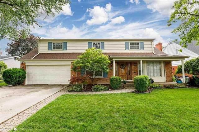 901 Moorland, Grosse Pointe Woods, MI 48236 (#58050046264) :: Duneske Real Estate Advisors