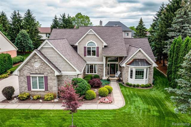 54448 Royal Troon Drive, Lyon Twp, MI 48178 (#2210051195) :: Duneske Real Estate Advisors