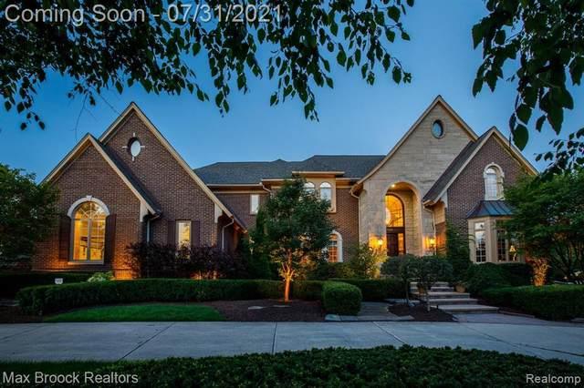 5889 Westchester Court, Oakland Twp, MI 48306 (#2210051270) :: The Alex Nugent Team | Real Estate One