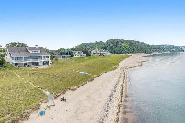 857 S Lakeshore Drive, Pere Marquette Twp, MI 49431 (#67021025400) :: Real Estate For A CAUSE