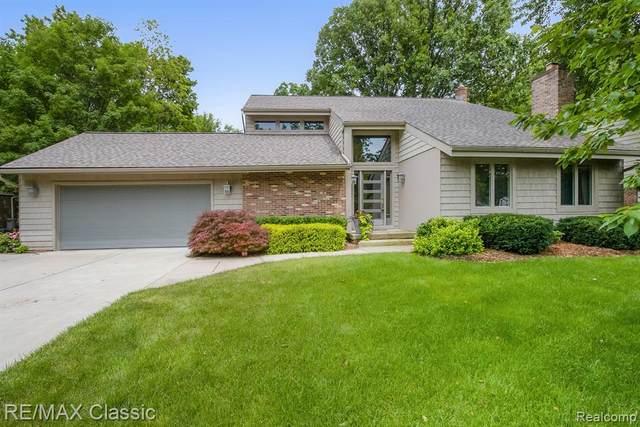 21830 Heatherbrae Way S, Novi, MI 48375 (#2210051475) :: Duneske Real Estate Advisors