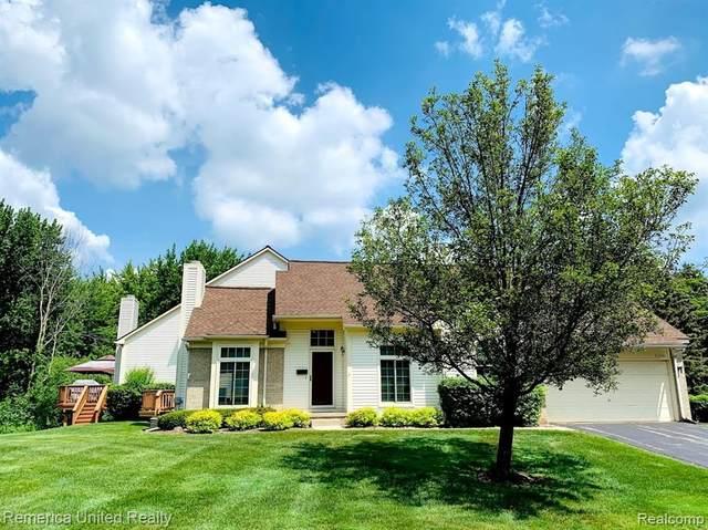 43700 Algonquin Drive #25, Novi, MI 48375 (#2210051856) :: Duneske Real Estate Advisors