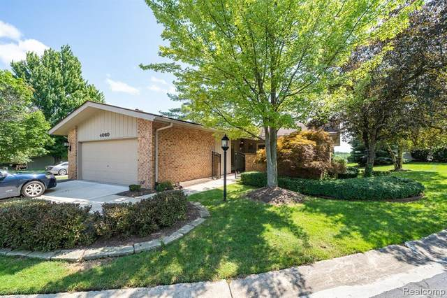 4060 Augusta Court, Bloomfield Twp, MI 48302 (#2210052076) :: Real Estate For A CAUSE