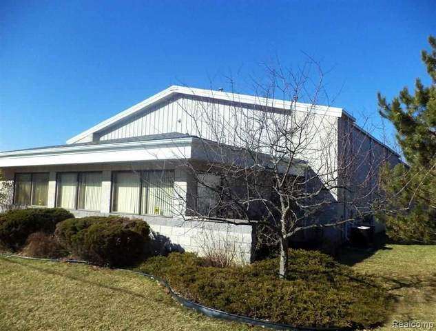 8226 Embury, Grand Blanc Twp, MI 48439 (#5050047179) :: Real Estate For A CAUSE