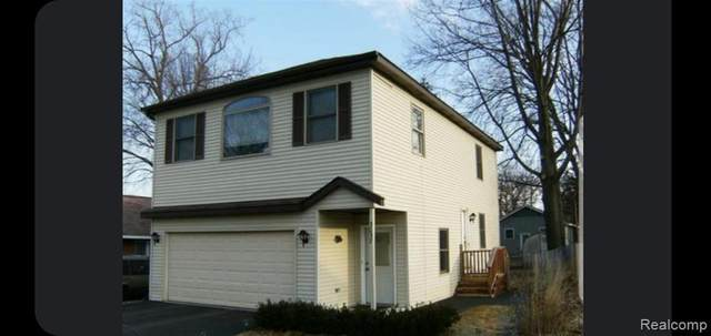 3057 Moss Street, Keego Harbor, MI 48320 (#2210052455) :: Real Estate For A CAUSE