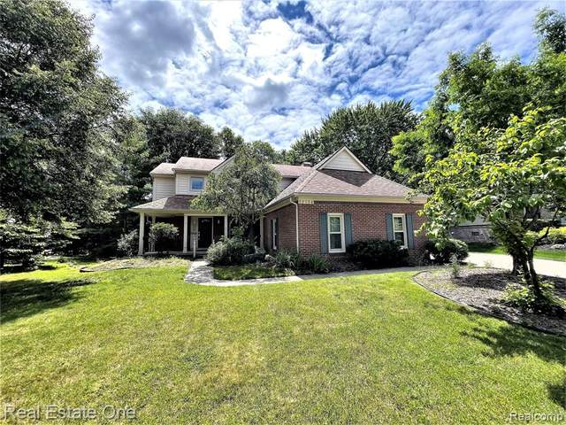 23334 Mystic Forest Drive, Novi, MI 48375 (#2210054285) :: Duneske Real Estate Advisors