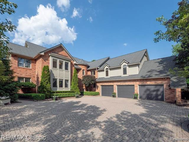 3567 Loch Bend Drive, Commerce Twp, MI 48382 (#2210054378) :: Real Estate For A CAUSE