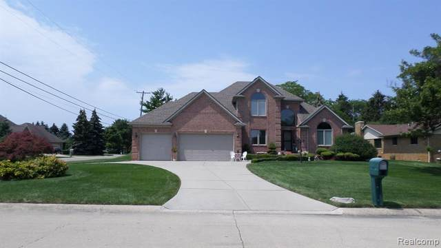49603 Compass Point Drive, Chesterfield Twp, MI 48047 (#2210054870) :: BestMichiganHouses.com