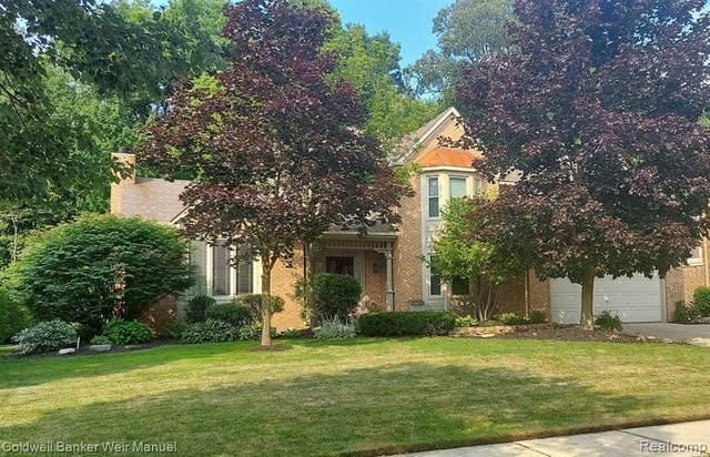 45760 White Pines Drive, Novi, MI 48374 (#2210056164) :: Duneske Real Estate Advisors