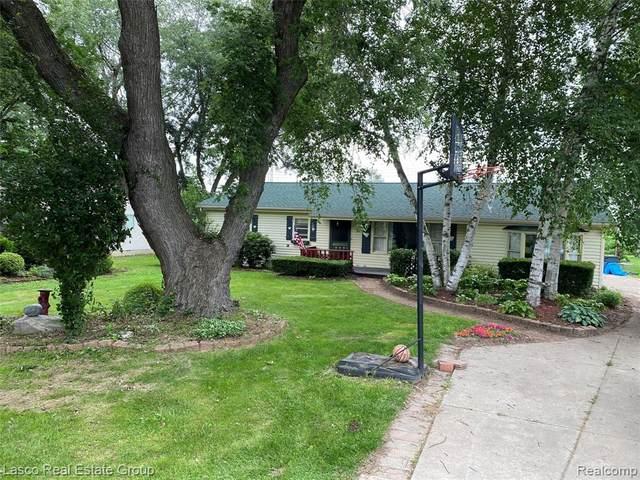 411 Almont Avenue, Almont Vlg, MI 48003 (#2210056262) :: Novak & Associates