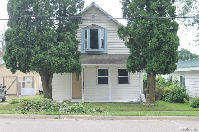 5727 Genesee Avenue, Otter Lake Vlg, MI 48464 (#2210056560) :: Real Estate For A CAUSE