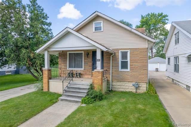 6395 Woodmont Avenue, Detroit, MI 48228 (#2210056891) :: Robert E Smith Realty