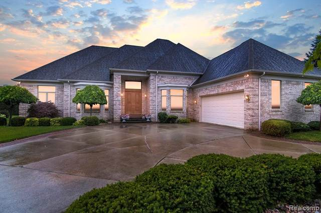 40512 Emerald Lane W, Sterling Heights, MI 48038 (#2210056996) :: Novak & Associates