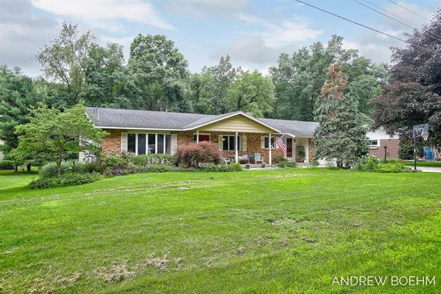 4526 Scenic Drive, Heath Twp, MI 49419 (#71021064796) :: Real Estate For A CAUSE