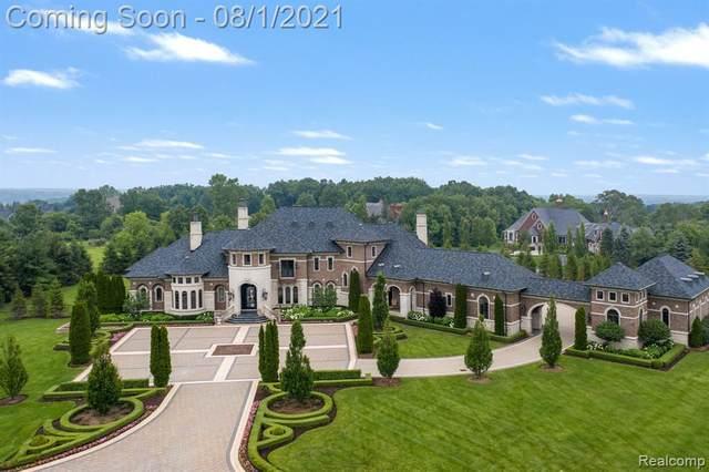 5393 Barrington Drive, Oakland Twp, MI 48306 (#2210057906) :: The Alex Nugent Team | Real Estate One