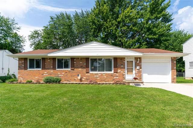 5160 Daval Drive, Swartz Creek, MI 48473 (#2210058384) :: Real Estate For A CAUSE