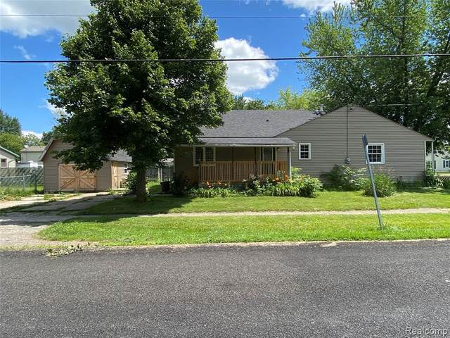 2099 Brady Avenue, Burton, MI 48529 (#2210058466) :: Real Estate For A CAUSE