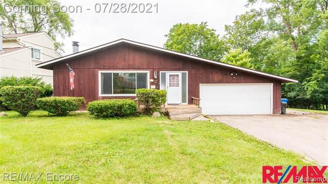 5147 Chipman Drive, Waterford Twp, MI 48327 (#2210058698) :: Real Estate For A CAUSE