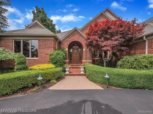 3018 W Ridge Court #19, Bloomfield Twp, MI 48302 (#2210058817) :: Duneske Real Estate Advisors