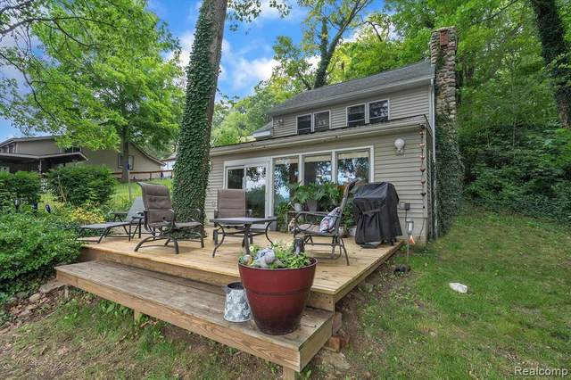 11642 Weiman Drive, Putnam Twp, MI 48169 (#2210058845) :: Real Estate For A CAUSE