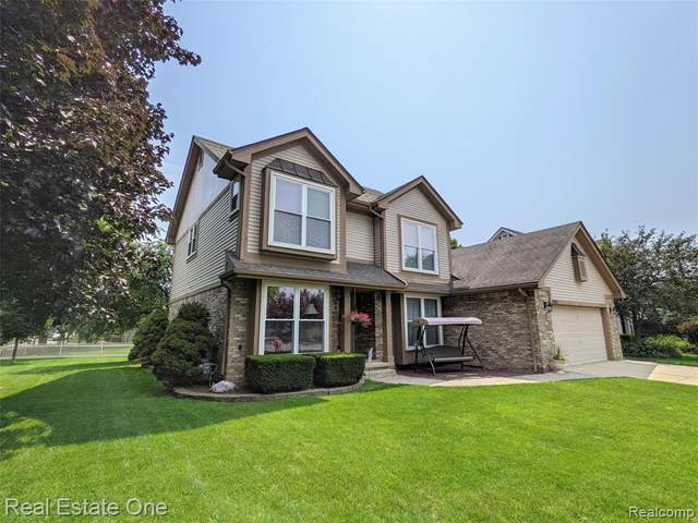 34516 Clearview Circle, Sterling Heights, MI 48312 (#2210059013) :: Alan Brown Group