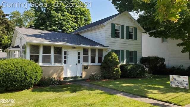35640 Ridge St, Richmond, MI 48062 (#58050049270) :: Novak & Associates