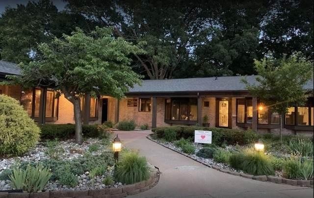 1901 Parkview Avenue, Kalamazoo, MI 49008 (#66021095393) :: Real Estate For A CAUSE