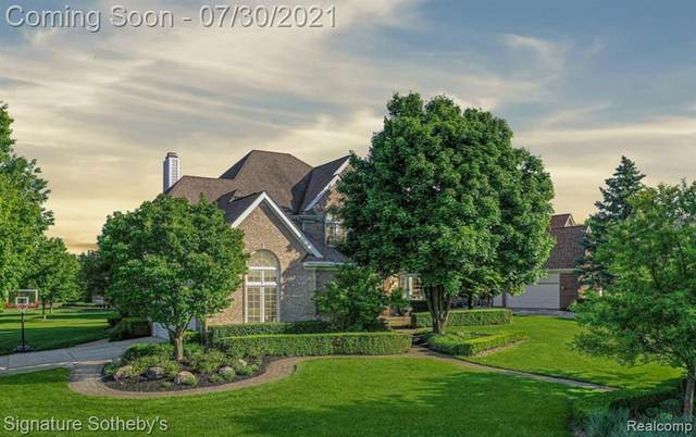 54302 Royal Troon Drive, Lyon Twp, MI 48178 (#2210059358) :: Real Estate For A CAUSE