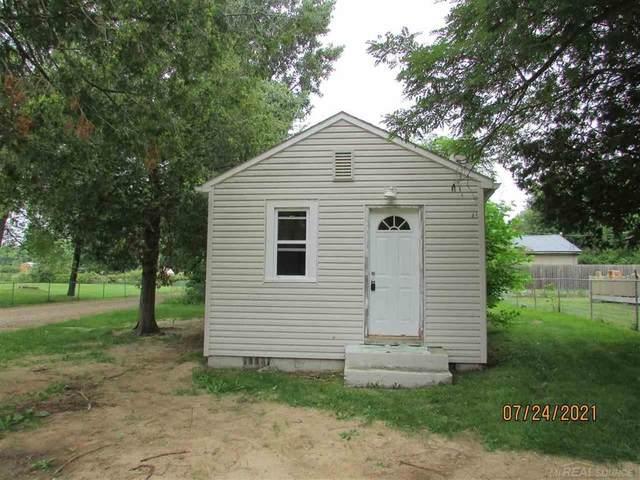 7153 Cedar, Worth Twp, MI 48450 (#58050049517) :: Duneske Real Estate Advisors
