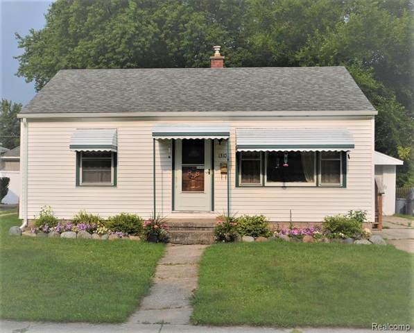 1310 New Jersey Avenue, Marysville, MI 48040 (#2210060288) :: Duneske Real Estate Advisors