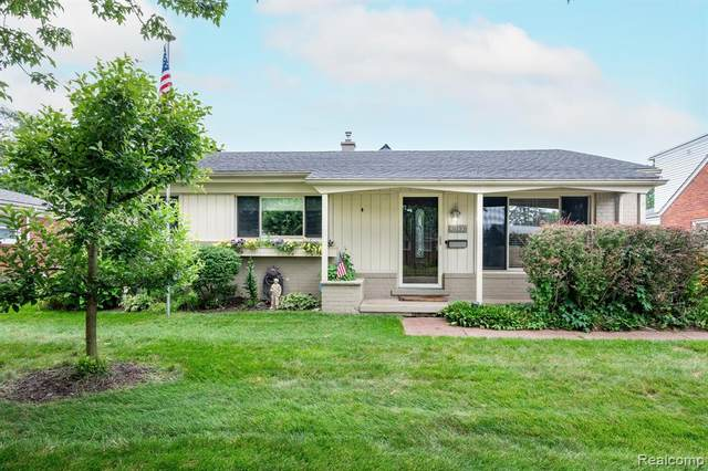 47337 Winthrop Street, Shelby Twp, MI 48317 (#2210060295) :: The Alex Nugent Team | Real Estate One