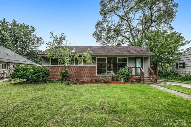 238 Highlake Avenue, Ann Arbor, MI 48103 (#543282886) :: The Alex Nugent Team | Real Estate One