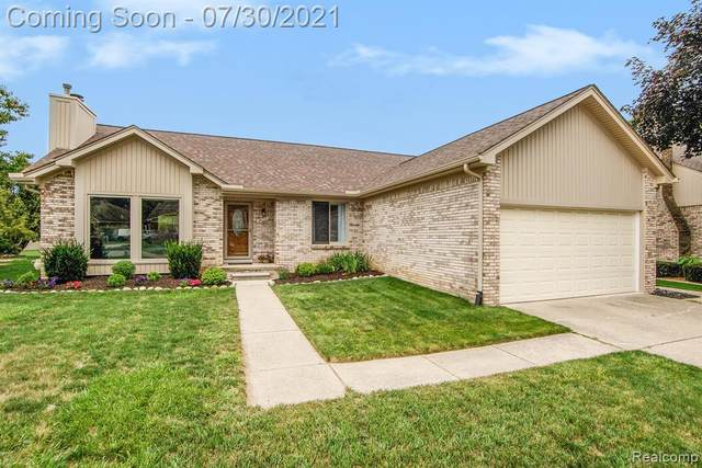 46712 Springhill Drive, Shelby Twp, MI 48317 (#2210060455) :: The Alex Nugent Team   Real Estate One