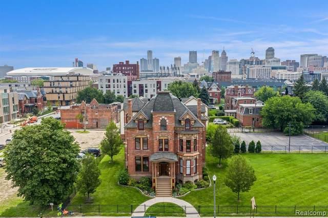 104 Edmund Place #6, Detroit, MI 48201 (#2210060489) :: Robert E Smith Realty