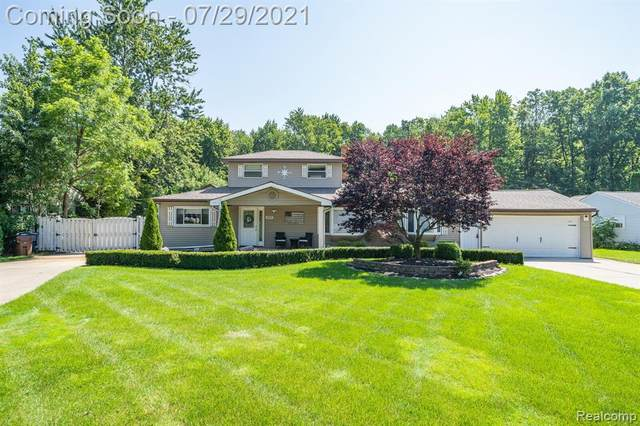 50210 Cedargrove Road, Shelby Twp, MI 48317 (#2210060490) :: The Alex Nugent Team   Real Estate One