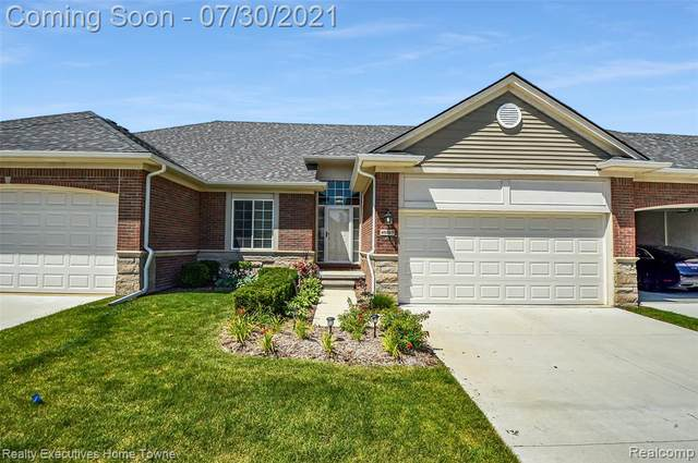 49257 Pond Place Drive, Shelby Twp, MI 48315 (#2210060520) :: The Alex Nugent Team   Real Estate One