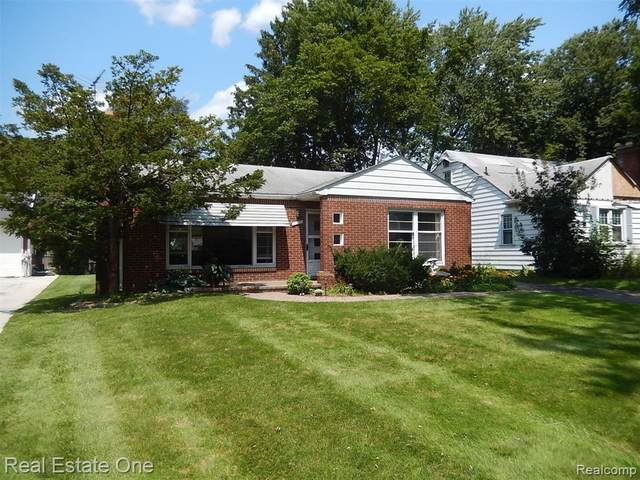 2648 Woodbine Drive, Waterford Twp, MI 48328 (#2210060527) :: The Alex Nugent Team | Real Estate One