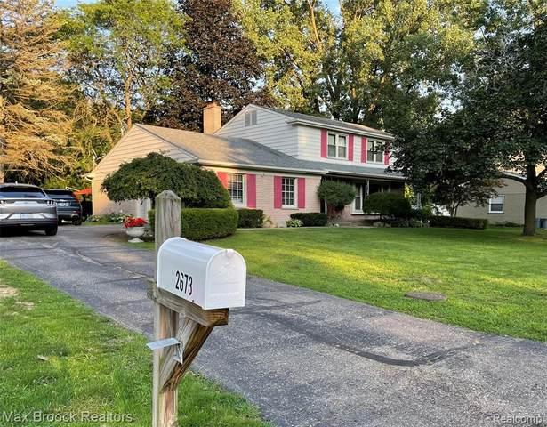 2673 Plum Brook Drive, Bloomfield Twp, MI 48304 (#2210060596) :: Duneske Real Estate Advisors