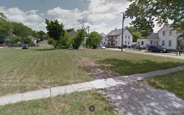 728 E 4TH Street, Monroe, MI 48161 (#2210060808) :: The Alex Nugent Team | Real Estate One