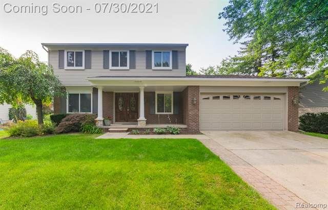 2847 Armstrong Drive, Orion Twp, MI 48360 (#2210060830) :: The Alex Nugent Team | Real Estate One